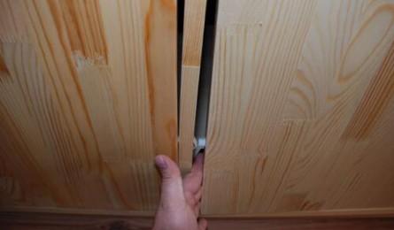 秋天实木衣柜开裂怎么办