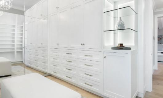 迪凯诺全屋定制:想要柜子牢 握钉力先加强 不掺杂木的竹香板 了解一下