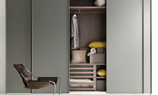 伊恋家居:定制衣柜和成品衣柜的差距